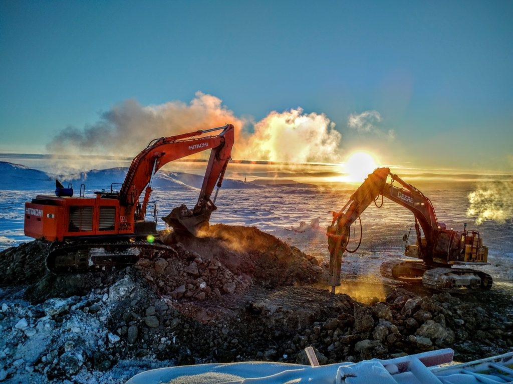 Kiewit's fleet of equipment can endure any climate, including Arctic conditions.