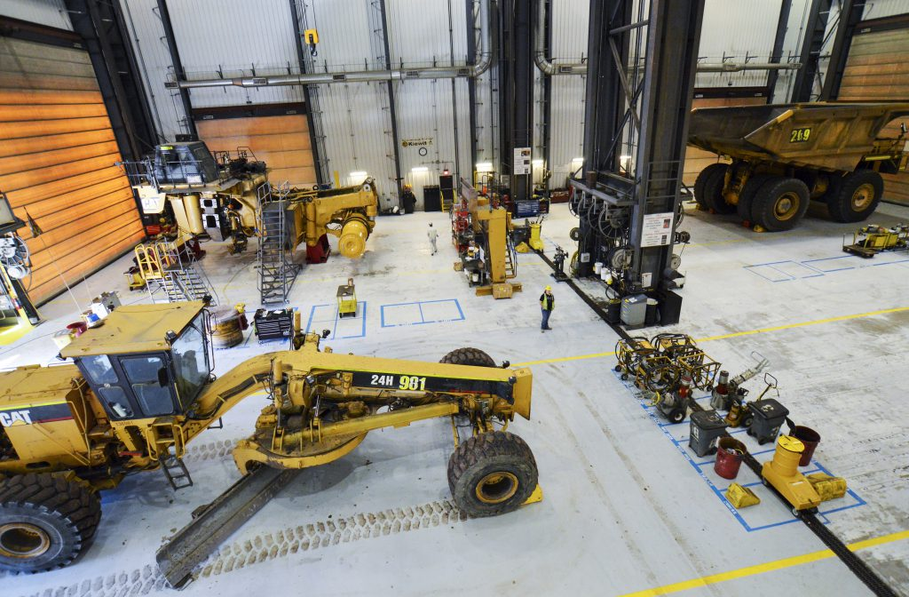 Kiewit's preventive maintenance practices ensure its fleet maintains the highest level of reliability.