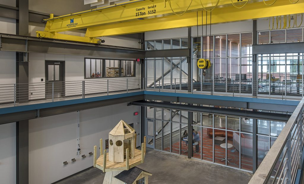 In the capstone lab, students will participate in the assembly of modular buildings. A 15-ton gantry crane will assist in loading the completed modules.